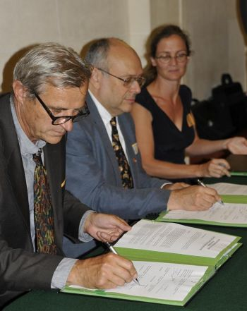 Signature du protocole d'accord sur le PCRS au Sénat le 25 juin 2015
